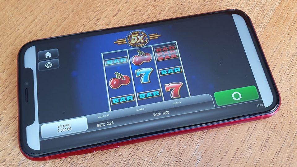 fruithead Slot Machine